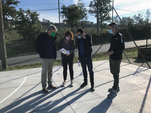 Estanse a realizar melloras nas pistas polideportivas descubertas do concello