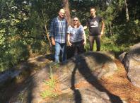 Visita ao petróglifo da Pedra da Nave, en Mourigade