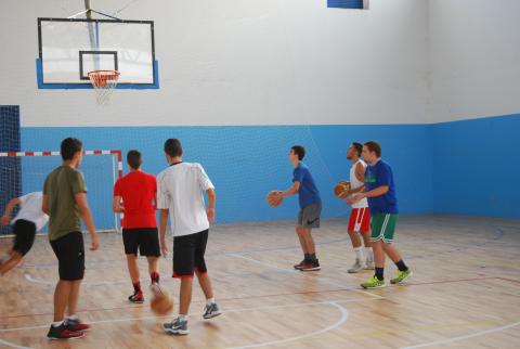 O Concello de Ames reparte 55.032 euros entre 16 clubs e asociacións deportivas