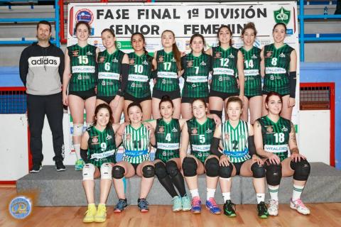 Equipo feminino sénior do Club Voleibol Bruxas