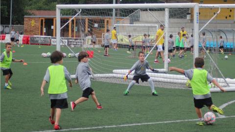 Apróbase a renovación do terreo de xogo do campo municipal de fútbol de Bertamiráns