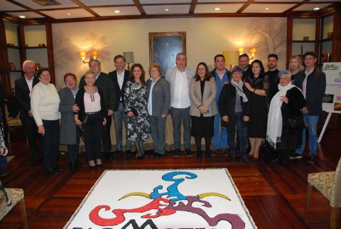 Imaxe da presentación no Hostal dos Reis Católicos da Federación de Asociacións de Alfombristas Galegos de Arte Efémera