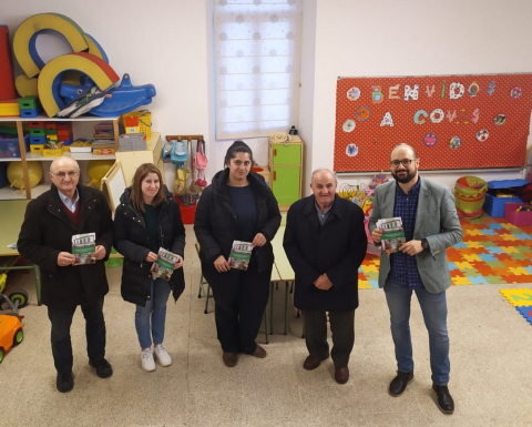 Campaña informativa sobre a escola unitaria de Covas