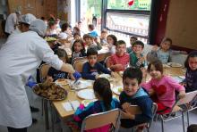 Aprobouse a suspensión dos servizos complementarios de educación e conciliación (Bos Días Cole, Tardes Divertidas, Comedores Escolares)
